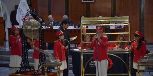 Gana el billete 08466 el Sorteo Mayor conmemorativo de los 40 años de la UNACH