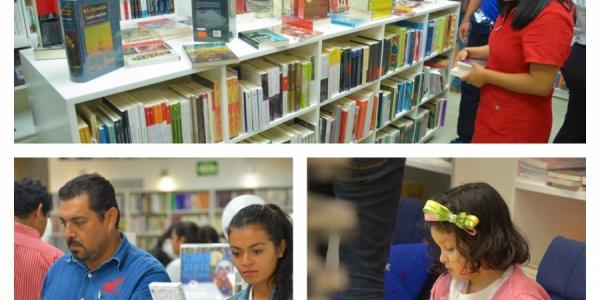 Resulta un éxito la segunda venta nocturna de la Librería ?José Emilio Pacheco? del Fondo de Cultura Económica-UNACH