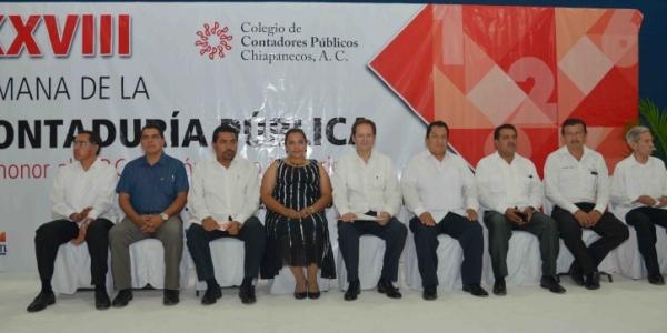 Se reúnen en la UNACH especialistas en temas fiscales durante la XXVIII Semana de la Contaduría Pública