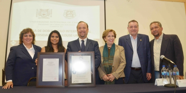Recibe estudiante chiapaneca doble titulación profesional, por la UNACH y la Universidad de Toulouse, Francia
