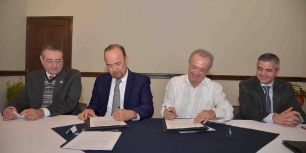 Promoverán UNACH y el Servicio Geológico Mexicano proyectos de investigación y el uso de las nuevas tecnologías