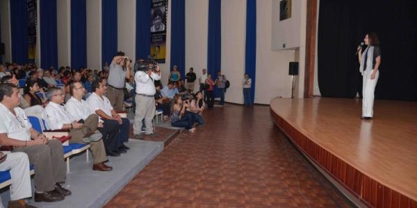 Rinden homenaje a la actriz Blanca Guerra dentro del Primer Festival Internacional de Cine de la UNACH