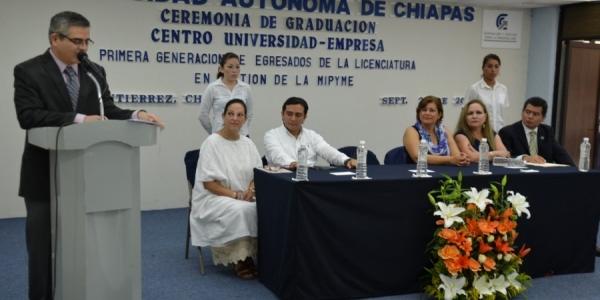 Egresa primera generación de Licenciados en Gestión de la MIPYME de la UNACH para coadyuvar al crecimiento de las empresas en México