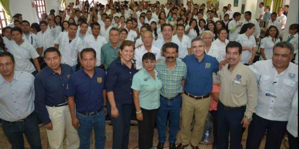 Participan autoridades sanitarias del ámbito estatal en el Primer Coloquio  de Salud Comunitaria