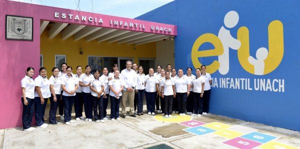 Reconoce UNACH el trabajo que realiza el personal de la Estancia Infantil sede Tapachula