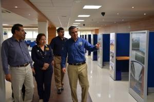 Dona INEGI equipos de cómputo a la Biblioteca Central de la UNACH