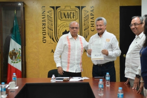 Designan a Jorge Rafael Alvarado Brindis como Director de Desarrollo Académico de la UNACH