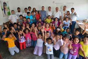 Trabajan alumnos de la UNACH en acciones para abatir el analfabetismo