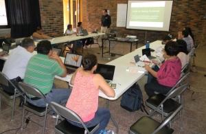 Imparten académicos de la UNACH curso sobre metodología de la investigación