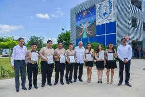Destacan calidad y compromiso de los egresados de las licenciaturas en Física y Matemáticas de la UNACH