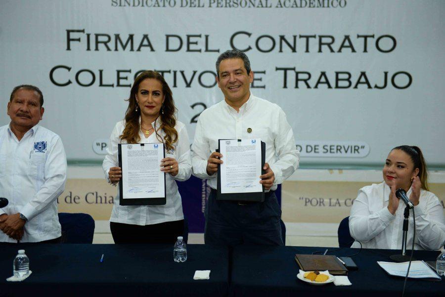 Firma Administración Central de la UNACH el Contrato Colectivo de Trabajo con el Sindicato del Personal Académico