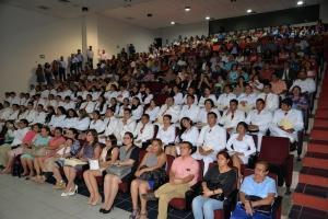 Egresa séptima generación de Médicos Cirujanos de la UNACH